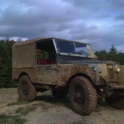 classic muddy land rover